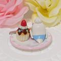 Photos: n014ミニチュア/いちごカップケーキプレート/セキセイ・白ハルクイン(後ろ)
