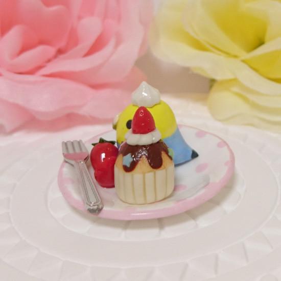 n015ミニチュア/いちごカップケーキプレート/セキセイ・レインボー(横2)