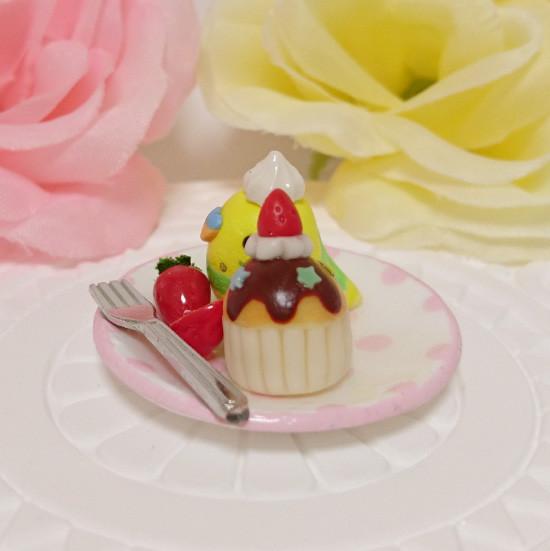 n017ミニチュア/いちごカップケーキプレート/セキセイ・パイドグリーン(横2)