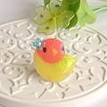 r011バッジ/お花とインコ/コザクラ・イエロー