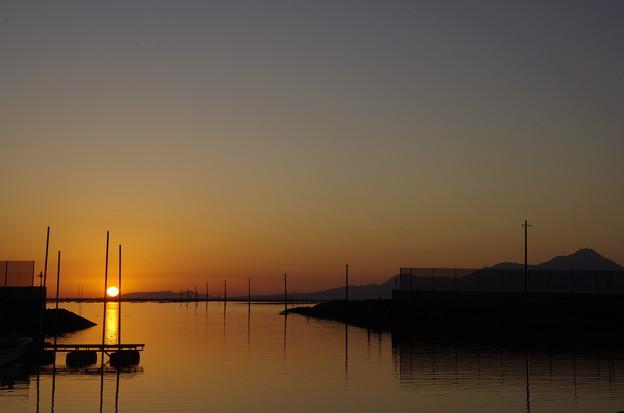 Photos: 夕日をサンド