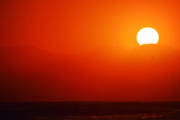 間もなく日没を迎える湘南・鵠沼海岸 #湘南 #藤沢 #海 #surfing #wave #mysky