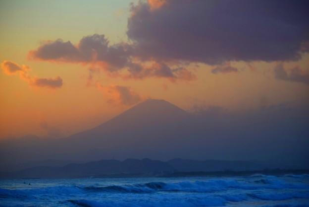 日没後の富士山@湘南・鵠沼海岸 #湘南 #藤沢 #海 #surfing #wave #mysky #fujisan #mtfuji #富士山