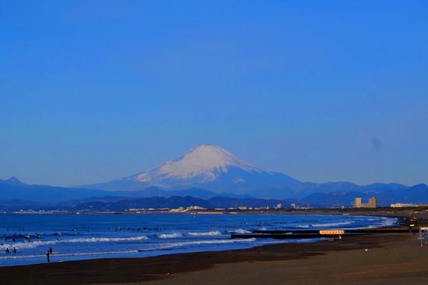 くっきり見える海越しの富士山 #湘南 #藤沢 #海 #波 #surfing #wave #mysky #fujisan #mtfuji #富士山