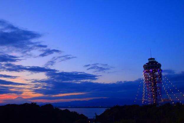 江ノ島展望灯台シーキャンドルと富士山 #湘南 #藤沢 #海 #surfing #江ノ島 #イルミネーション #富士山 #mtfuji