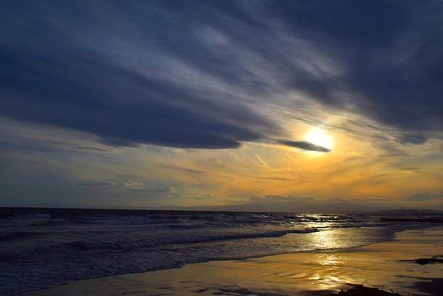 日没を迎える湘南・鵠沼海岸 #湘南 #藤沢 #海 #波 #wave #surfing #mysky