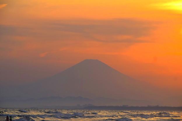夕方見えた湘南・鵠沼海岸からの富士山 #湘南 #藤沢 #海 #波 #wave #surfing #mysky #fujisan #mtfuji #富士山