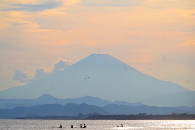 夕方の富士山@湘南・鵠沼海岸 #湘南 #藤沢 #海 #波 #wave #surfing #mysky #mtfuji #fujisan #富士山