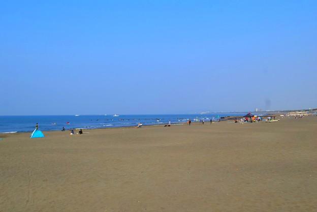 霞んで富士山は見えない湘南・鵠沼海岸 #湘南 #藤沢 #海 #波 #wave #surfing #mysky #beach