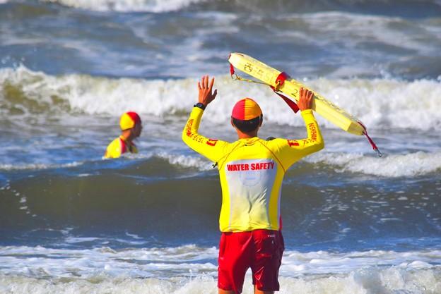 風は強いオンショア。ジャンクコンディションの湘南・鵠沼海岸 #湘南 #藤沢 #海 #波 #wave #surfing #mysky #beach