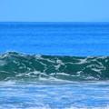 今朝の湘南・鵠沼海岸の波はももから腰サイズ #湘南 #藤沢 #海 #波 #wave #surfing #mysky #beach