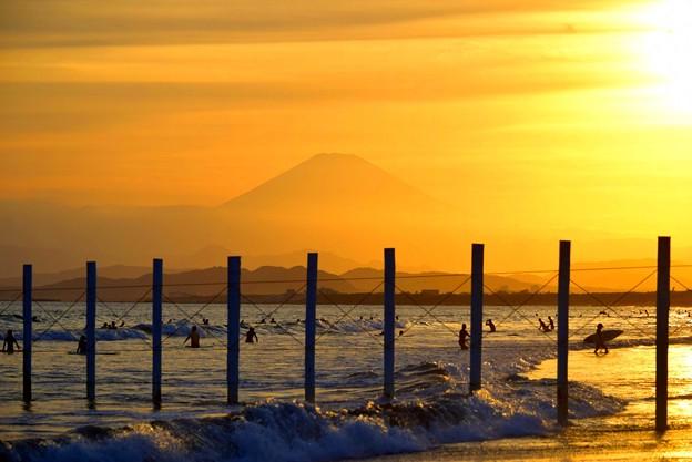夕方の富士山@湘南・鵠沼海岸 #湘南 #藤沢 #海 #波 #wave #surfing #mysky #fujisan #mtfuji #富士山