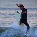 夕方の湘南・鵠沼海岸の波はすねからひざサイズ #湘南 #藤沢 #海 #波 #wave #surfing #mysky #beach