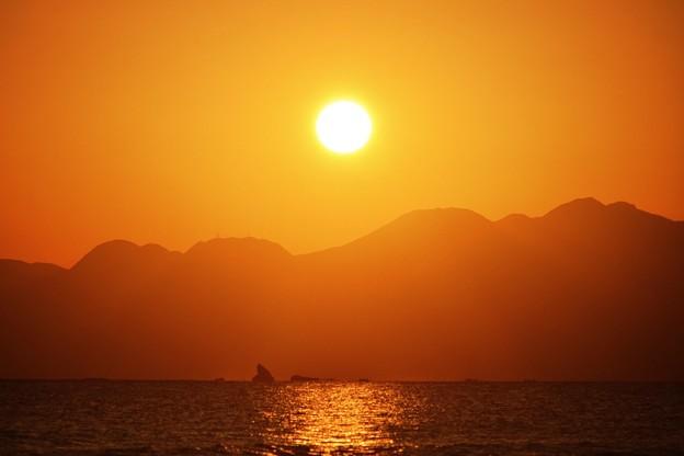 間もなく日没を迎える湘南・鵠沼海岸  #湘南 #藤沢 #海 #波 #wave #surfing #mysky #hakone #箱根