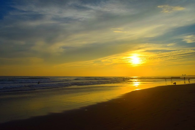 湘南・鵠沼海岸の夕日 #湘南 #海 #波 #beach #surfinng #サーフィン #wave #mysky