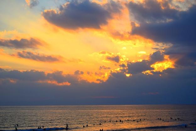 夕暮れの湘南・鵠沼海岸 #湘南 #海 #波 #beach #surfinng #サーフィン #wave #mysky