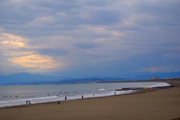 曇ってしまった夕方の湘南・鵠沼海岸 #湘南 #藤沢 #海 #波 #wave #surfing #mysky #beach