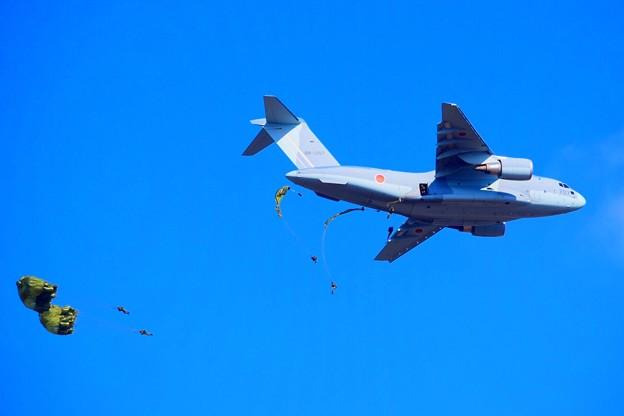 C-2輸送機からの降下訓練 #自衛隊 #japanselfdefenceforces #mysky #習志野演習場 #降下訓練始め #japanairforce