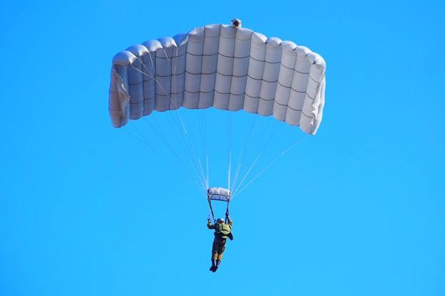 高度からの降下訓練 #自衛隊 #japanselfdefenceforces #mysky #習志野演習場 #降下訓練始め #japanairforce
