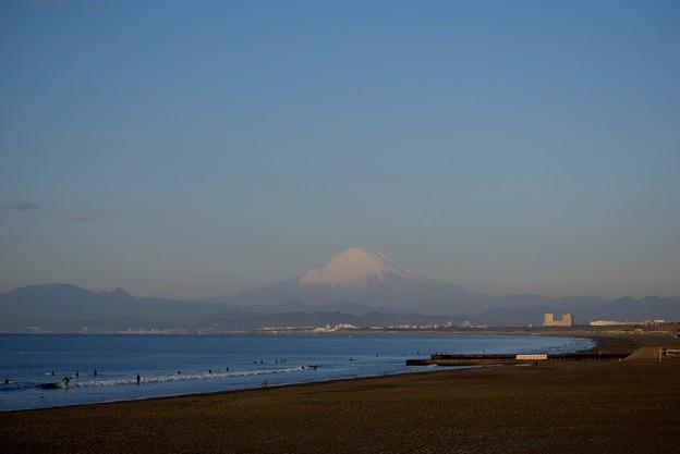 海越しに見える湘南・鵠沼海岸からの富士山 #湘南 #藤沢 #海 #波 #wave #surfing #mysky #fujisan #mtfuji #富士山