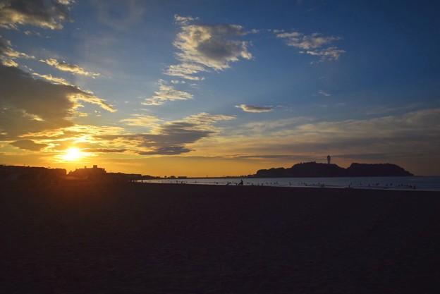 朝日と江ノ島 #湘南 #藤沢 #海 #波 #wave #surfing #mysky #beach