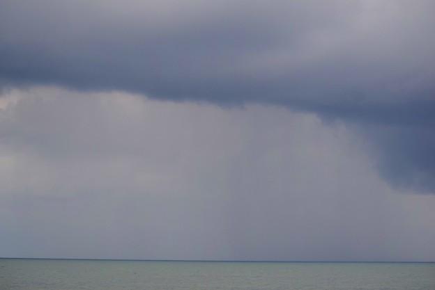 雨雲迫る湘南・鵠沼海岸  #湘南 #藤沢 #海 #波 #wave #surfing #beach #mysky #sky #sea