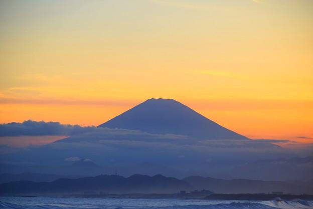 夕暮れの富士山@湘南・鵠沼海岸 #湘南 #藤沢 #海 #波 #wave #surfing #mysky #sea #beach #富士山 #mtfuji #fujisan