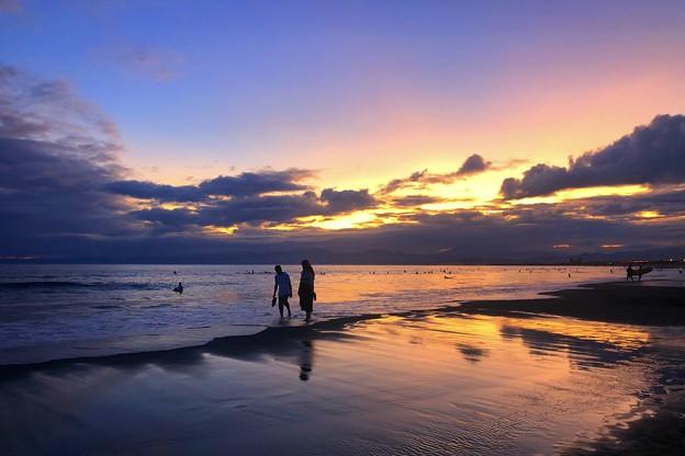 夕闇の湘南・鵠沼海岸 #湘南 #藤沢 #海 #波 #wave #surfing #mysky #サーフィン #sea #beach