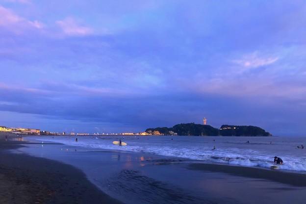 夕闇の江ノ島 #湘南 #藤沢 #海 #波 #wave #surfing #mysky #サーフィン #sea #beach
