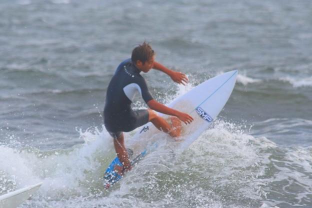 夕方の湘南・鵠沼海岸の波は腹から胸サイズ #湘南 #藤沢 #海 #波 #wave #surfing #サーフィン #sea