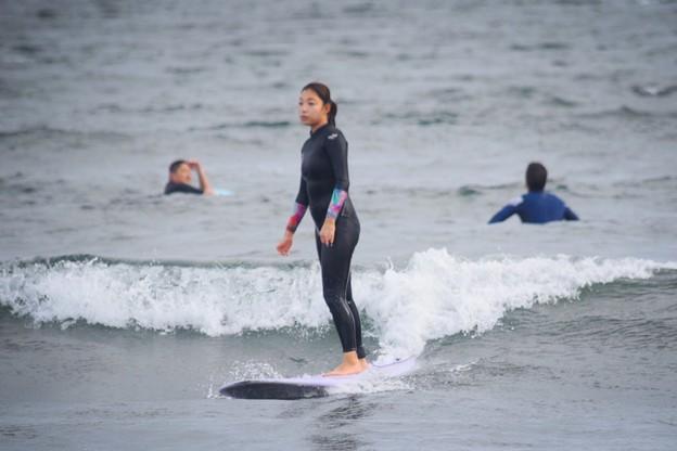 夕方の湘南・鵠沼海岸の波はすねからひざサイズ #湘南 #藤沢 #海 #波 #wave #surfing #sea #beach
