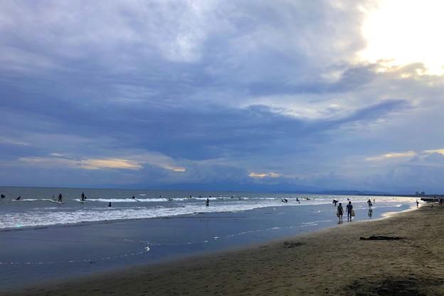 曇り空の湘南・鵠沼海岸 #湘南 #藤沢 #海 #波 #wave #surfing #sea #beach