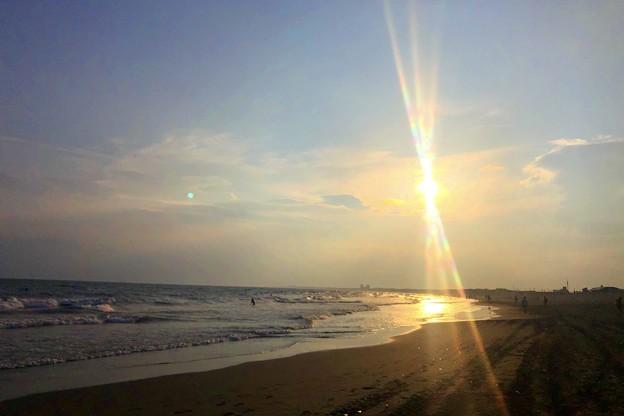 間もなく日没を迎える湘南・鵠沼海岸 #湘南 #藤沢 #海 #波 #wave #surfing #sea #サーフィン