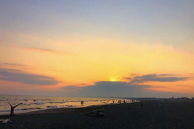 日没後の湘南・鵠沼海岸 #湘南 #藤沢 #海 #波 #wave #surfing #sea #beach #サーフィン