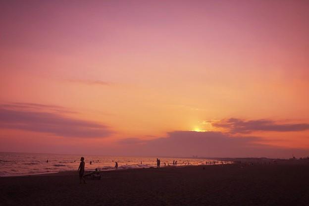 夕闇迫る湘南・鵠沼海岸 #湘南 #藤沢 #海 #波 #wave #surfing #sea #beach #サーフィン