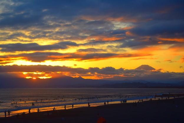 雲が広がる夕方の湘南・鵠沼海岸 #湘南 #藤沢 #海 #波 #wave #surfing #sea #fujisan #mtfuji #富士山