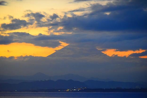 Photos: 頭だけ見えた夕方の富士山 #湘南 #藤沢 #海 #波 #wave #surfing #富士山 #mtfuji #fujisan