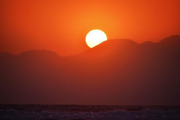 間もなく日没を迎える湘南・鵠沼海岸 #湘南 #藤沢 #海 #波 #wave #surfing #sea #mysky