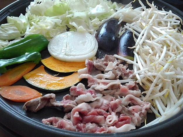 Photos: 豚肉がメインのホットプレート焼き肉