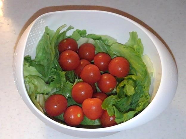 プチトマトとレタス
