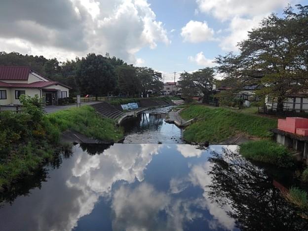 Photos: 【2020年8月の思い出】川の凄い映り込み