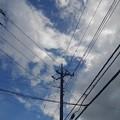 街中の電柱と雲もある空(9月6日)
