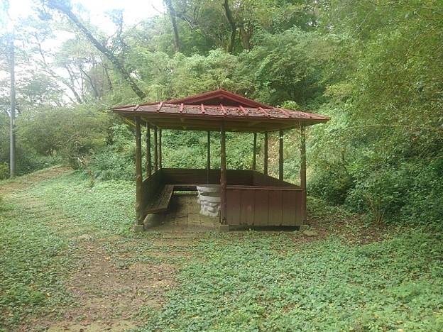 赤い屋根の休憩所(9月5日)