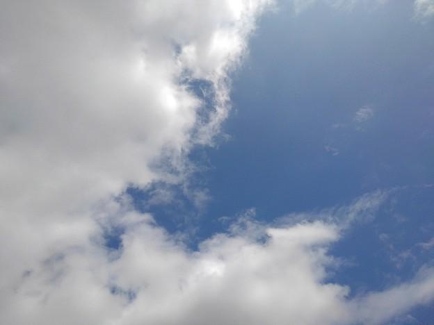青空と雲が入り混じった空(9月14日)