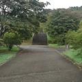 公園の丘の奥に階段がある道(9月20日)