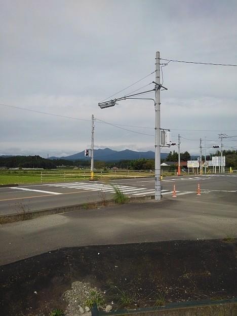 郊外の交差点(10月6日)
