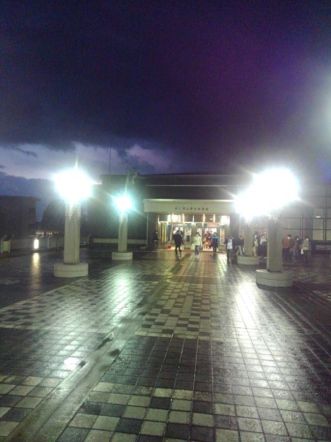 Photos: 帰りの体育館の入口(10月24日)