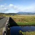 Photos: 橋と奥に見える山(11月4日)