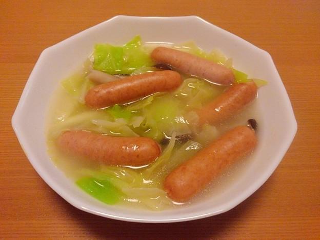 ウィンナーとキャベツとシメジのスープ(1月4日)