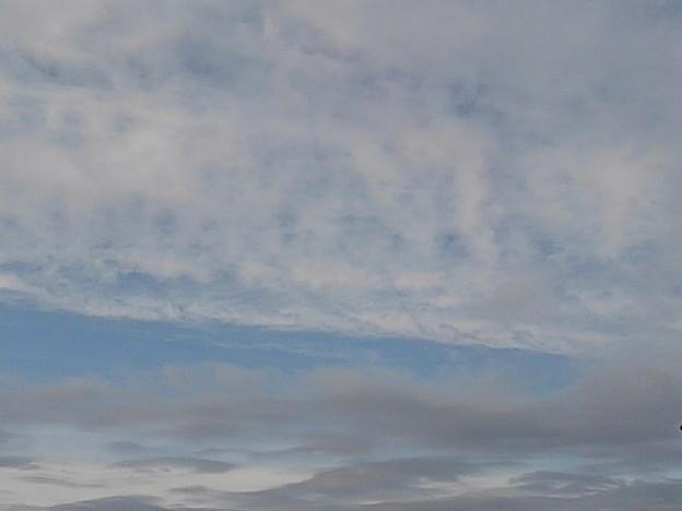 Photos: 晴れ間が少し広がった空(1月17日)